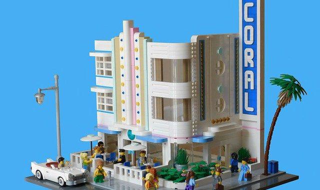Lego Coral Hotel