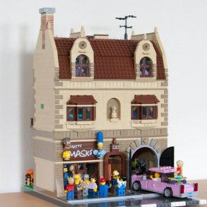 Matts's Mask lego modular building